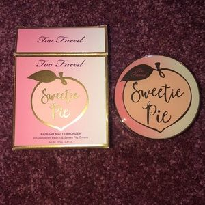 New with tags two-faced sweetie pie bronzer